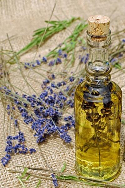 Les huiles végétales en soin cheveux