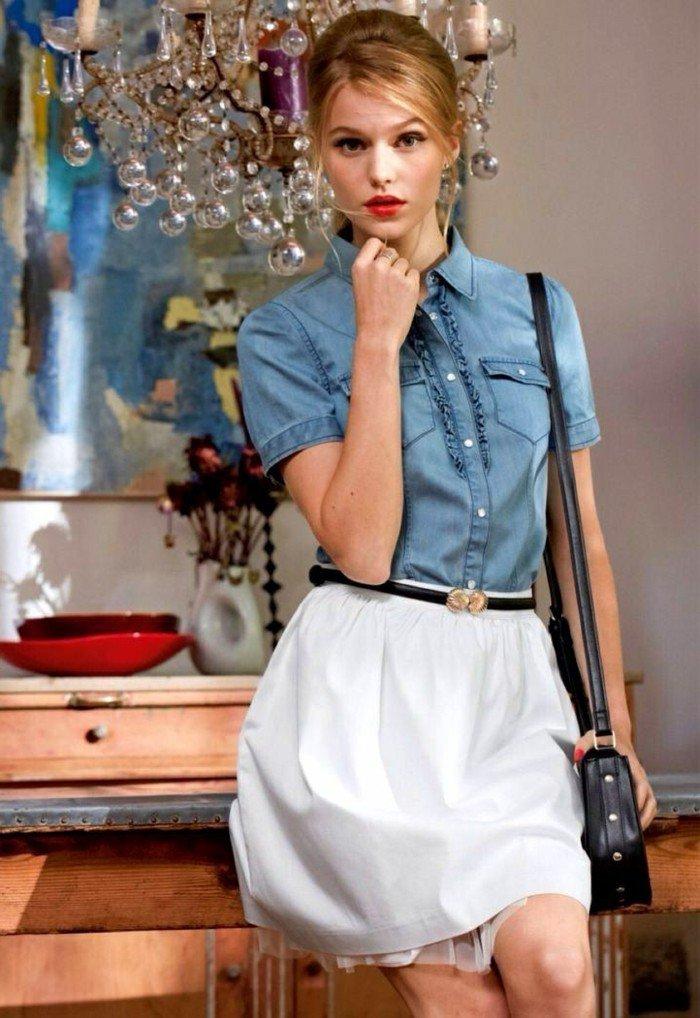 tenue pas si ratée, chemise en jean et jupe blanche